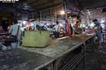 Bán thịt lợn ế ẩm, hàng loạt tiểu thương 'treo sạp', nghỉ chợ