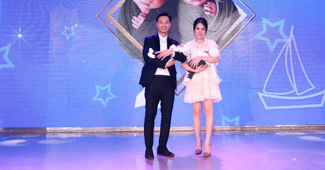 Sắc vóc vợ hai kém 8 tuổi của MC Thành Trung sau khi sinh đôi-2