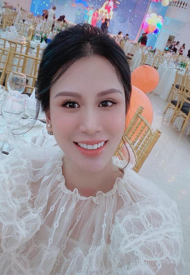 Sắc vóc vợ hai kém 8 tuổi của MC Thành Trung sau khi sinh đôi-4