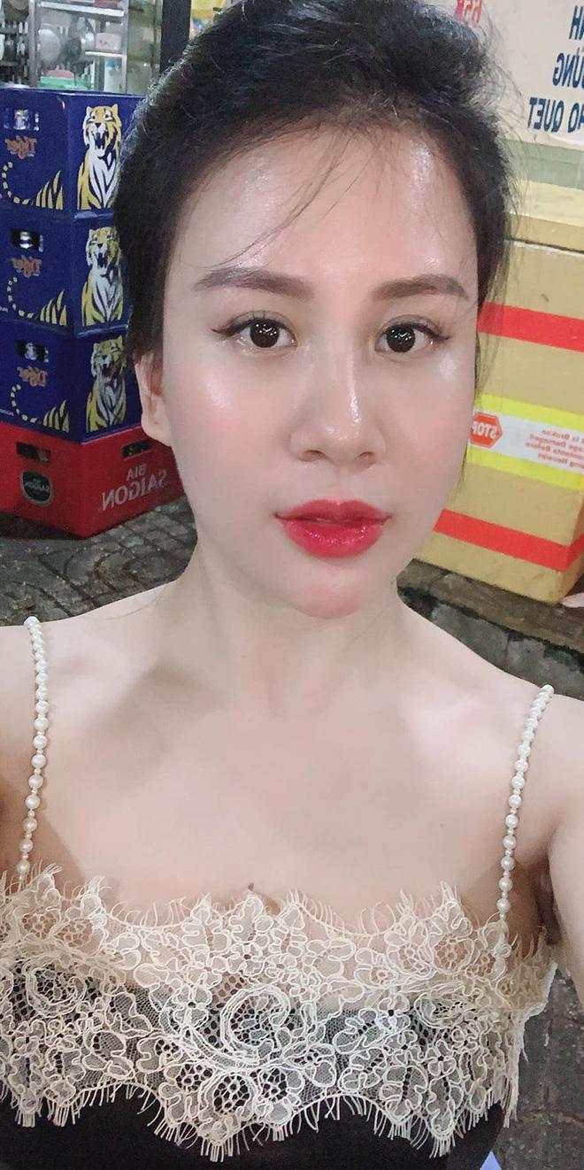 Sắc vóc vợ hai kém 8 tuổi của MC Thành Trung sau khi sinh đôi-8