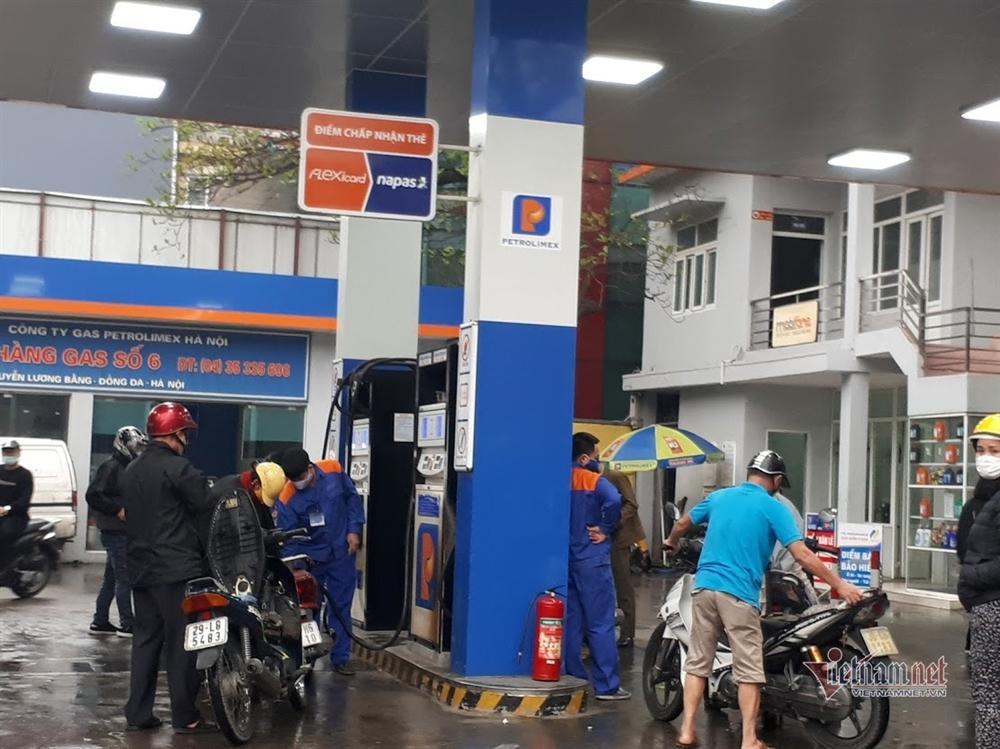 Giá xăng tăng mạnh từ 15 giờ chiều nay-1