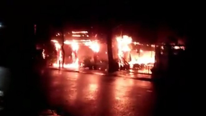 Nhà hàng của MC Nguyên Khang tại Phú Quốc cháy rụi trong biển lửa-1