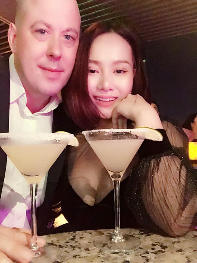 Vợ cũ MC Thành Trung Thu Phượng hạnh phúc bên bạn trai ngoại quốc, yêu thương chiều chuộng con gái như bố đẻ-3