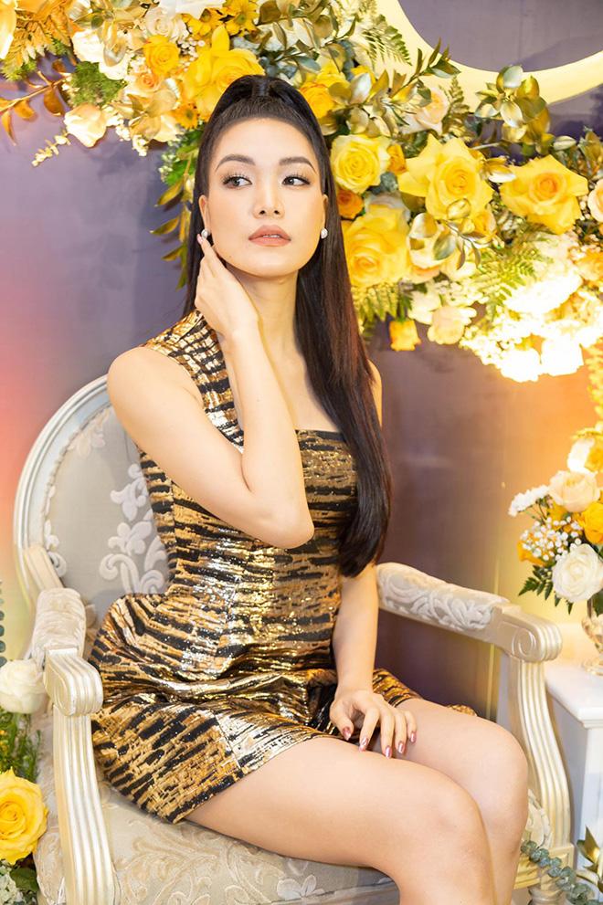 """Hoa hậu chiều cao khủng"""" nhưng xui xẻo nhất Việt Nam giờ ra sao?-4"""