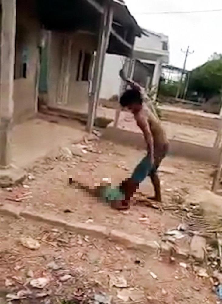 Bố ruột bạo hành con gái dã man khiến dân mạng sôi máu: Lời khai ban đầu-2