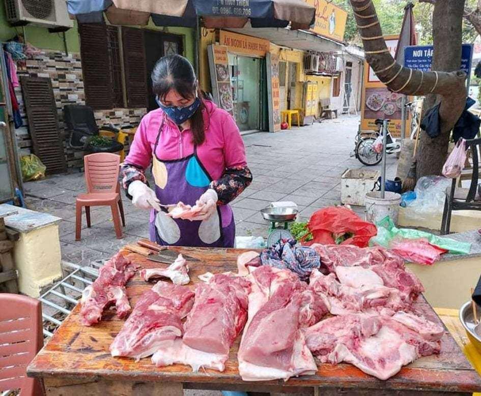 Thứ 6 (29/5): Thịt lợn bán ở chợ dân sinh đánh dấu mức kỷ lục 200.000 đồng/kg, người tiêu dùng cắn răng móc ví-1