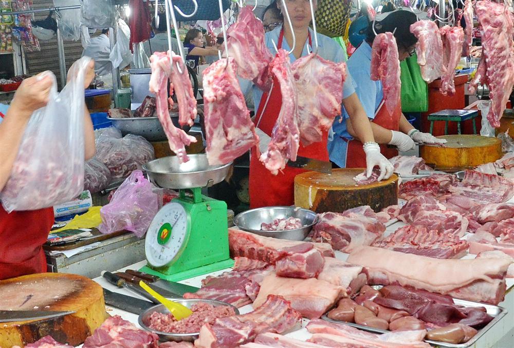 Thứ 6 (29/5): Thịt lợn bán ở chợ dân sinh đánh dấu mức kỷ lục 200.000 đồng/kg, người tiêu dùng cắn răng móc ví-2