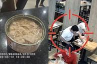 Gã đàn ông liều mạng ăn hộp cá ngừ đầy dòi tự tay bỏ vào, đến khi bị bắt lại buông lời cảm thán 'sởn da gà'