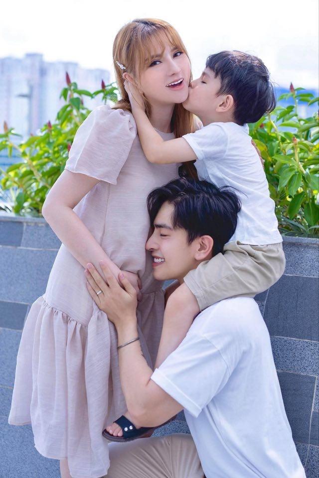 Thu Thủy tuyên bố mang thai với ông xã kém 10 tuổi-2