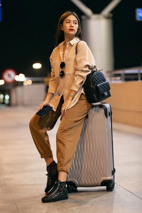 Giàu có như Hoàng Thuỳ Linh, bỏ hơn 500 đô mua chiếc túi chỉ đựng được một ít không khí-16