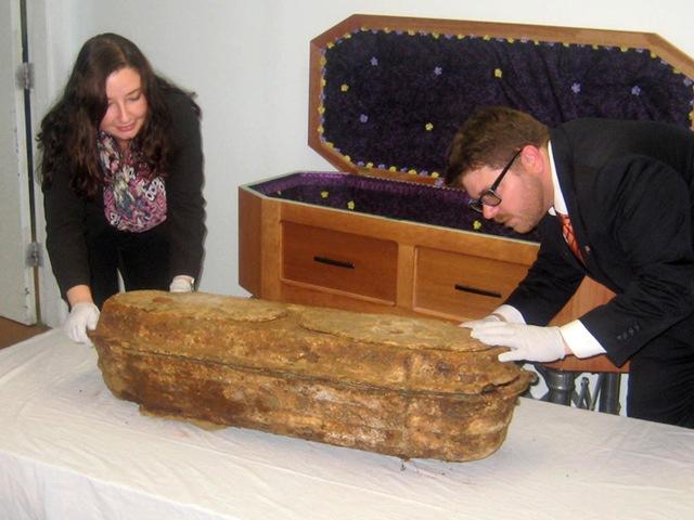 Kỳ lạ xác ướp bé gái nằm dưới lòng đất gần 150 năm nhưng vẫn nguyên vẹn như đang ngủ-5