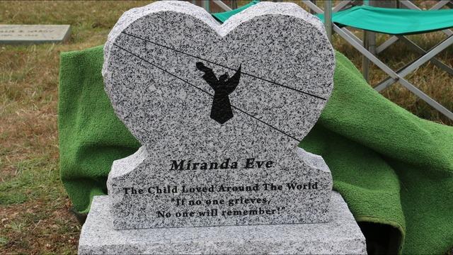 Kỳ lạ xác ướp bé gái nằm dưới lòng đất gần 150 năm nhưng vẫn nguyên vẹn như đang ngủ-6