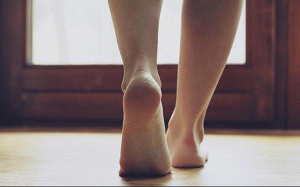 Bàn chân của người nhiều bệnh tật, tuổi thọ kém luôn có chung 7 dấu hiệu nhỏ này: Cả đàn ông lẫn phụ nữ đều nên kiểm tra ngay-2