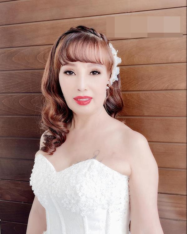 Cô dâu Cao Bằng 62 tuổi sau phẫu thuật thẩm mỹ có nhiều thay đổi bất ngờ-3