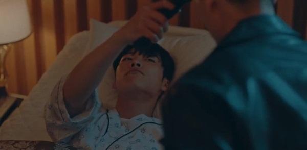 Cú twist tập 13 Quân vương bất diệt: Ngỡ ngàng với thân phận người cứu Lee Min Ho-2