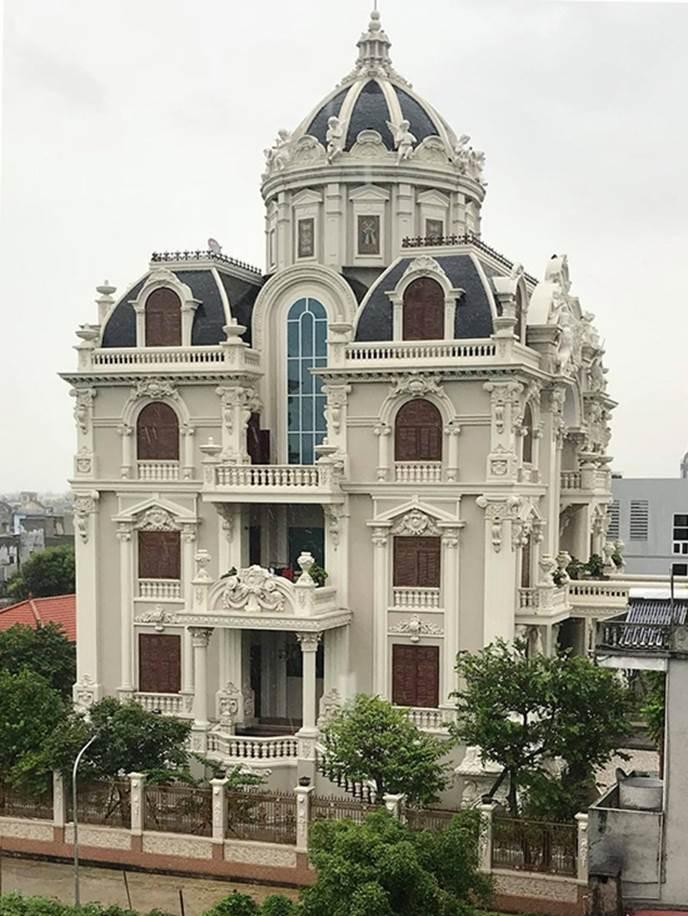 Choáng váng trước tòa lâu đài xây gần 10 năm của triệu phú Nam Định, ngày cưới cô dâu nhận vương miện 100 cây vàng-1