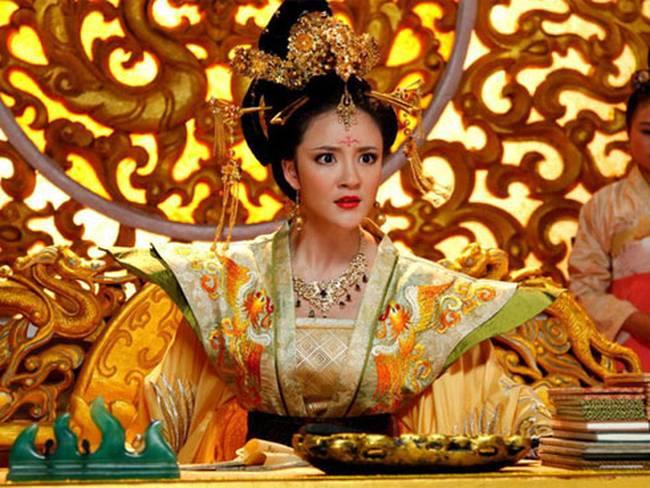 Vụ đánh ghen kinh hoàng của vị Hoàng hậu khét tiếng lịch sử Trung Hoa: Hộp quà gửi chồng khiến vị Đế vương cũng khiếp sợ-3