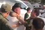 An ninh sân bay Nội Bài bị nhổ nước bọt khi trấn áp cò mồi taxi
