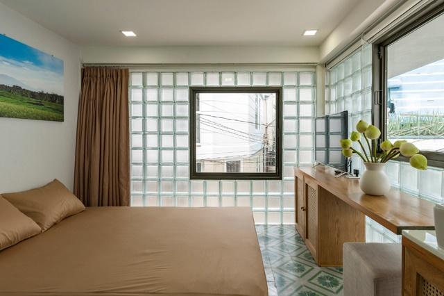 Ngỡ ngàng nhà kính 18m2 độc đáo được cải tạo từ nhà hoang ở Sài Gòn-5