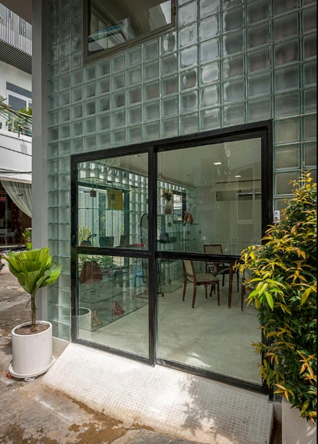 Ngỡ ngàng nhà kính 18m2 độc đáo được cải tạo từ nhà hoang ở Sài Gòn-6