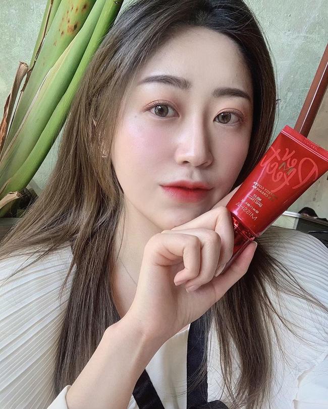 4 nguyên tắc chống nắng giúp phụ nữ Hàn sở hữu làn da sáng mịn, lỗ chân lông gần như vô hình-1