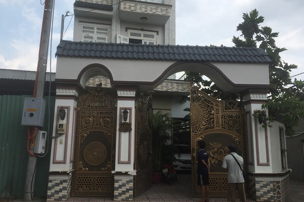 Kẻ sát hại cha nuôi trong căn biệt thự ở vùng ven Sài Gòn khai gì?-1