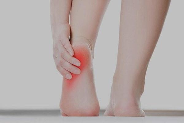 Đi khám vì bị đau gót chân, không ngờ phát hiện khối u máu: Bác sĩ cảnh báo 4 bệnh khác liên quan đến đau gót chân-2