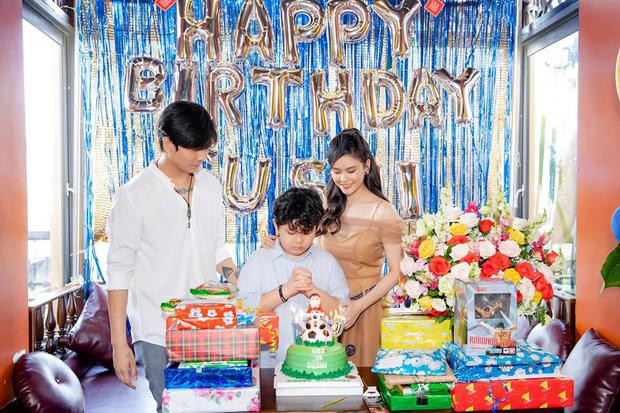 Tim và Trương Quỳnh Anh bất ngờ tái ngộ trong dịp sinh nhật con trai: Dù ly hôn nhưng vẫn giữ thái độ đáng ngưỡng mộ-1