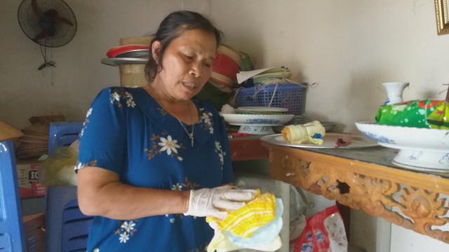 Gạt bỏ mọi đàm tiếu ác ý, người phụ nữ ở Hà Nội vẫn nhặt hàng vạn xác thai nhi về chôn ở ruộng nhà mình-3