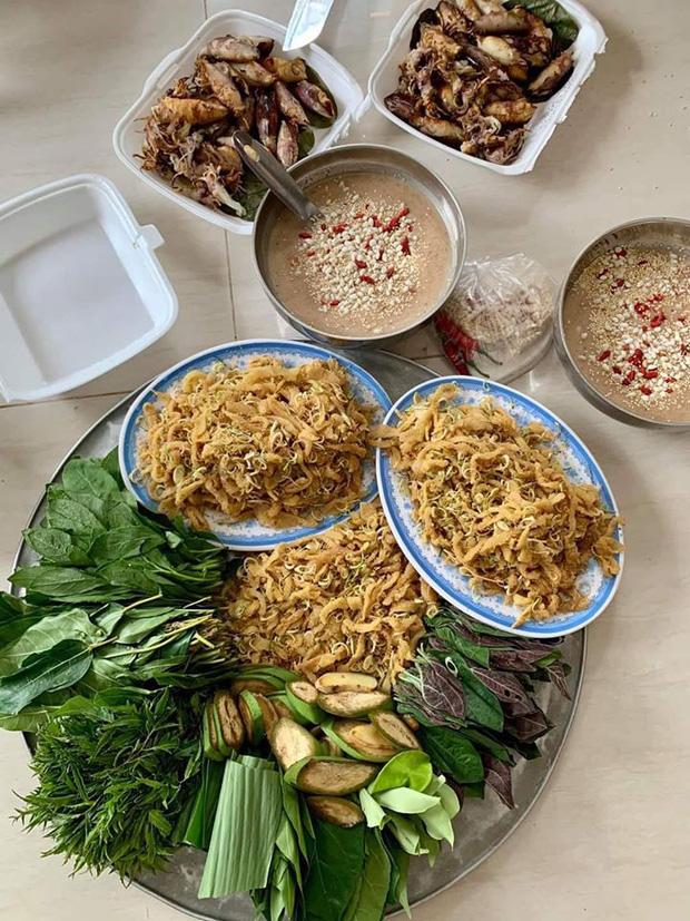 """Món gỏi cầu kỳ"""" nhất Việt Nam: Từ tên gọi, nguyên liệu đến cách thưởng thức đều phức tạp, có tiền chưa chắc ăn được-1"""