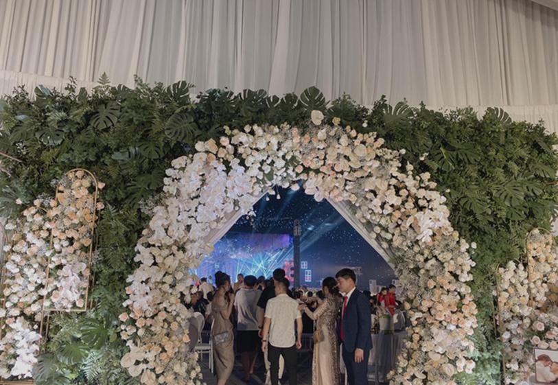 Xôn xao siêu đám cưới tại Ninh Hiệp: Dựng lâu đài trên 1600m2, gần 200 người kì công chuẩn bị và loạt sao bự tham dự-3
