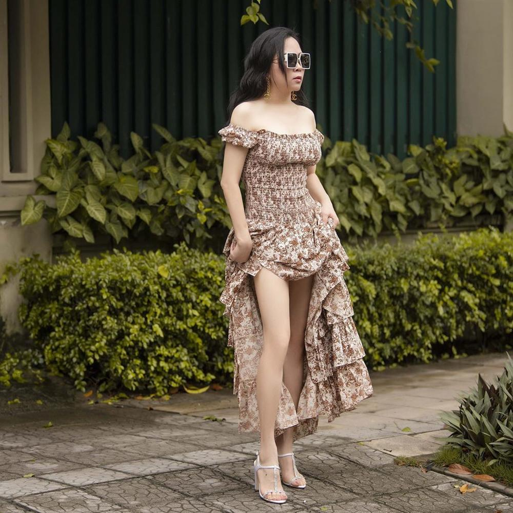 Nghịch lý: Style của Phượng Chanel ngày càng thăng tiến nhưng điểm tuyệt phẩm này lại khiến dân tình không biết nên khen hay chê-2