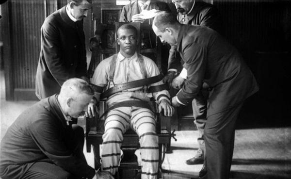 Tử tù trẻ nhất nước Mỹ bị hành quyết trên ghế điện: Bị kết án chỉ trong 10 phút nhưng mất 70 năm mới được minh oan vì nạn phân biệt chủng tộc-3