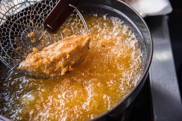 3 kiểu nấu ăn có thể tạo ra chất độc gây ung thư: Tiếc rằng nhiều người vẫn vô tư làm-4