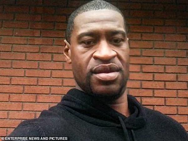 Em trai của George Floyd quay lại nơi anh mình bị sát hại, nén nỗi đau mất người thân đưa ra lời kêu gọi xúc động-4