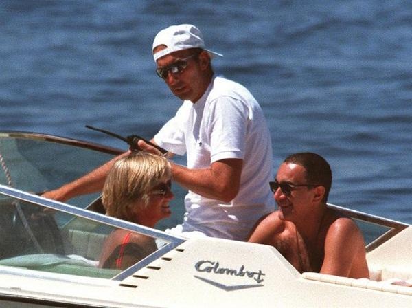 Điều ít biết về hình ảnh cuối cùng của Công nương Diana trước khi gặp tai nạn và người đàn ông nguyện ở bên bảo vệ bà suốt cuộc đời-6