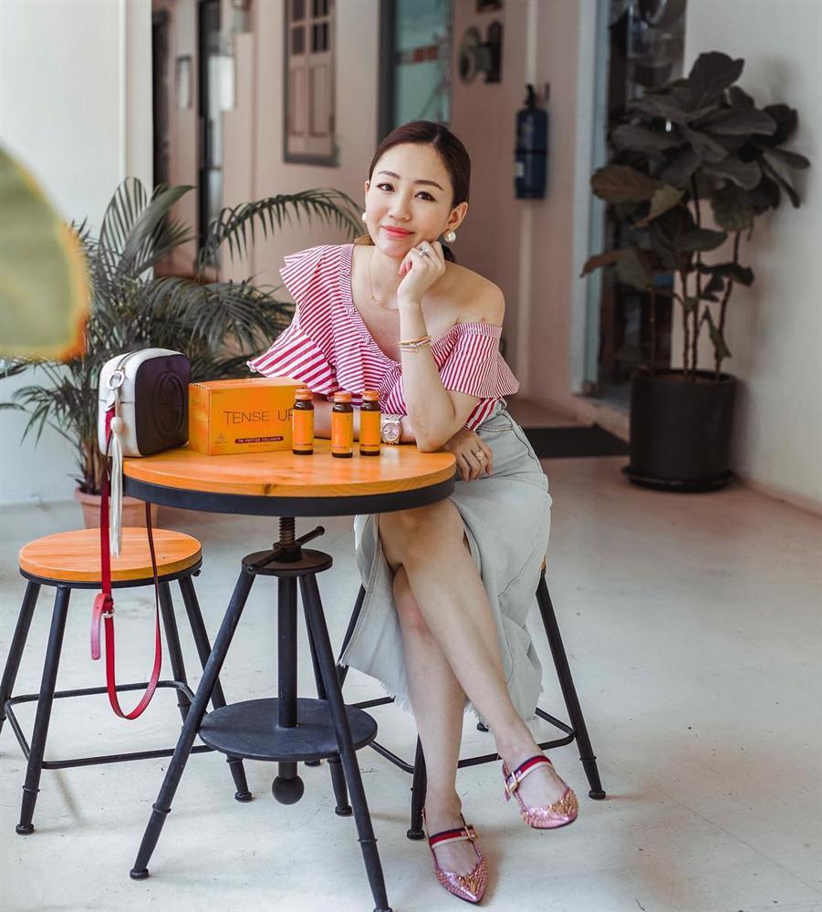Nàng CEO chia sẻ 2 công thức giúp chị em ngoài 30 tỏa sáng mọi góc nhìn: Đồ basic không thể thiếu, những lúc cần hở phải thật tinh tế-21