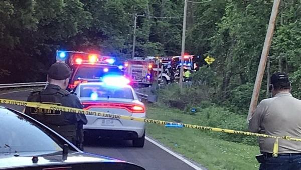 Trộm xe hơi của ông bà đi chơi, hai bé trai 6 và 7 tuổi chết thảm-1