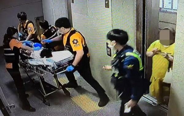 Mẹ kế nhốt con gái riêng của chồng trong vali suốt 7 tiếng khiến đứa trẻ tử vong, tỏ thái độ thản nhiên khi nạn nhân được đưa đi cấp cứu-3