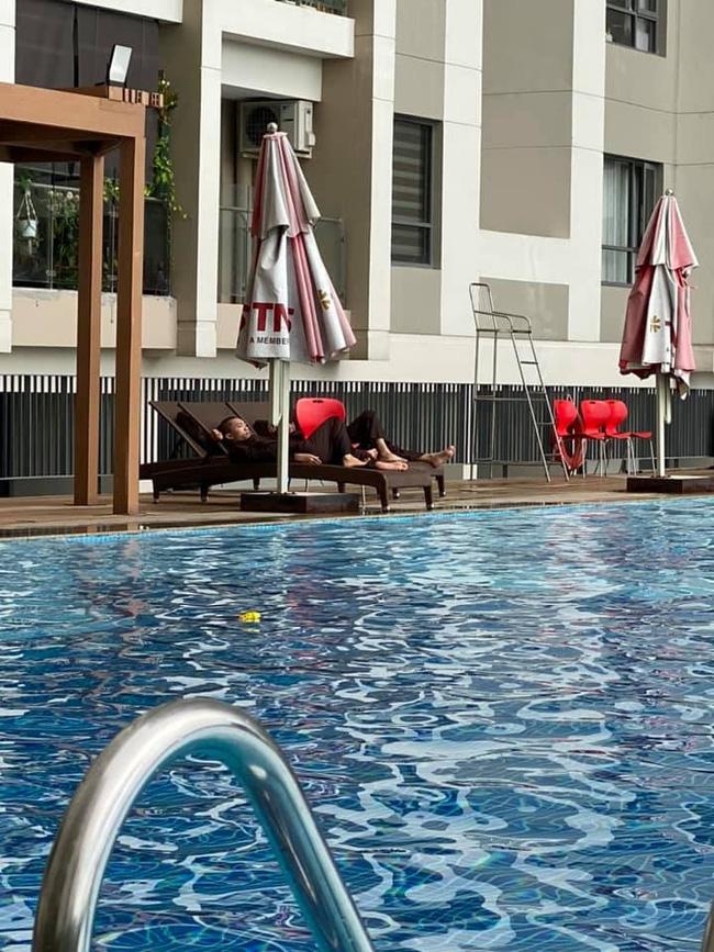 Xôn xao hình ảnh các sư thầy Tịnh Thất Bồng Lai đi resort tránh nắng, khoe body 6 múi ở hồ bơi sau ồn ào bị điều tra-5
