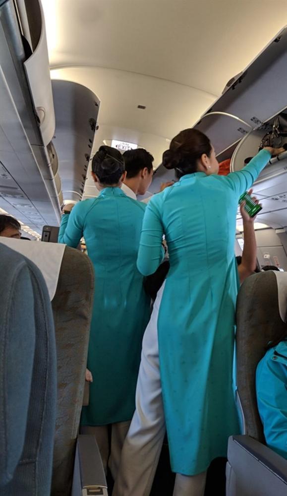 Thu nhập mỗi giờ bay của tiếp viên hàng không Vietnam Airlines là bao nhiêu?-2