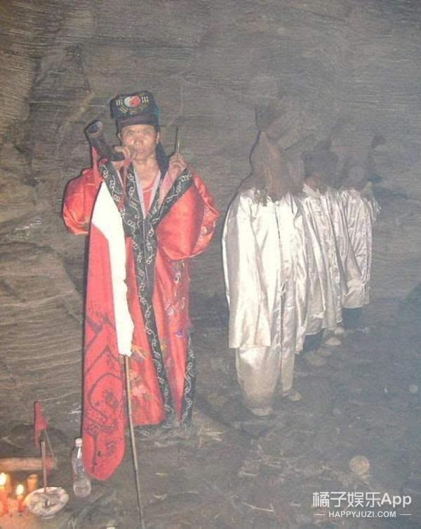 Thuật Cản Thi ở Trung Quốc: Cổ thuật dẫn dắt thi thể người chết tha hương trở về quê nhà, bí ẩn đang dần được hé mở-2