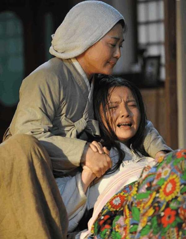 Phụ nữ Trung Hoa thời cổ đại khi sinh con cần nước nóng liên tục là vì nó rất lợi hại hay là vì nguyên nhân nào khác?-3