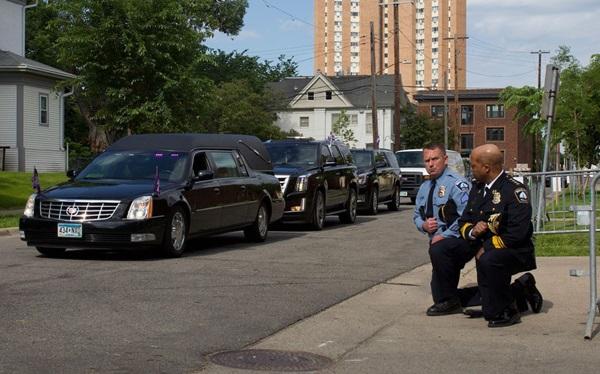 8 phút 46 giây im lặng tại lễ tưởng niệm George Floyd-1