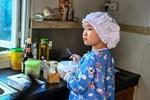 Đầu bếp 8 tuổi kinh doanh riêng, có hàng nghìn fan trên mạng
