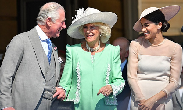 Hết bị Nữ hoàng Anh phớt lờ, Meghan Markle lại bị bố chồng trách khéo trên truyền thông-5