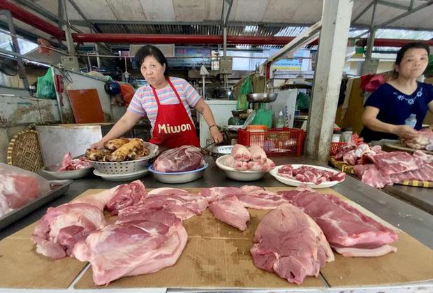Giá lợn tiếp tục tăng: Ai đang thao túng?-1