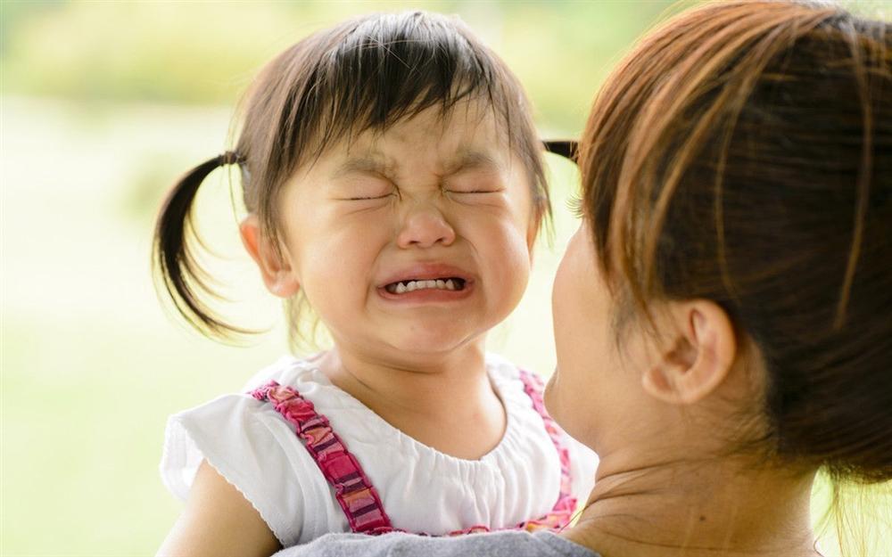 Chuyên gia gợi ý bố mẹ 20 cách xử lý thay vì mắng/phạt con khi trẻ cáu giận hay bướng bỉnh-2