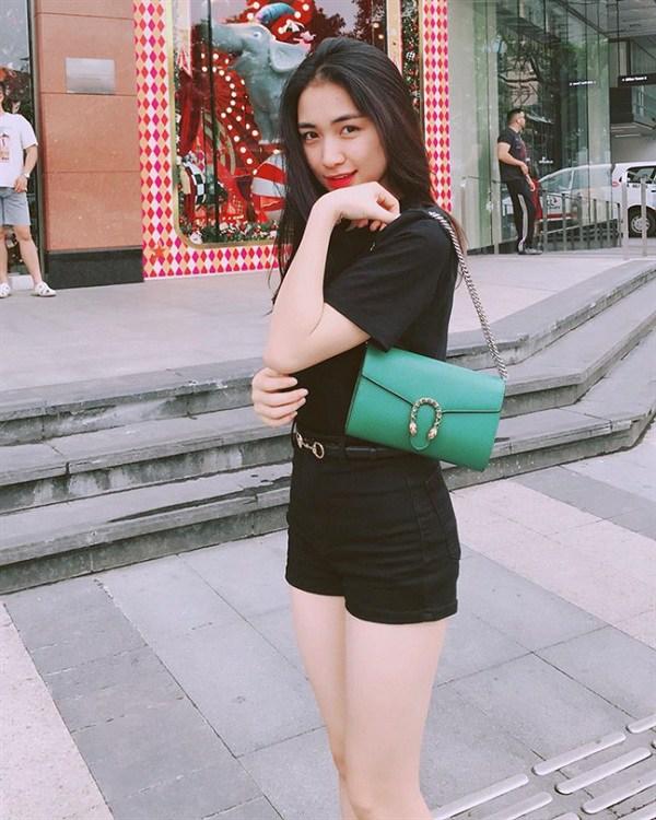 Từng phải thanh lý đồ hiệu để làm MV, Hòa Minzy giờ đã tậu ngay chiếc túi 350 triệu đồng-9