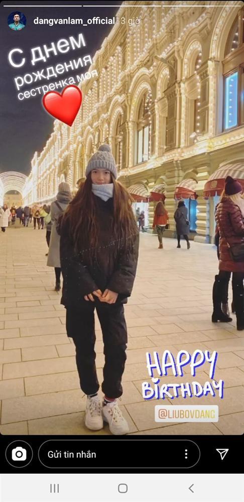 Văn Lâm gọi điện chúc mừng sinh nhật từ xa và tặng quà đặc biệt, em gái Thanh Giang liền bật khóc vì cảm động-1